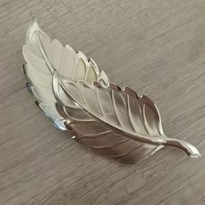 Jewelry - Vintage '60s? Double Leaf Brooch